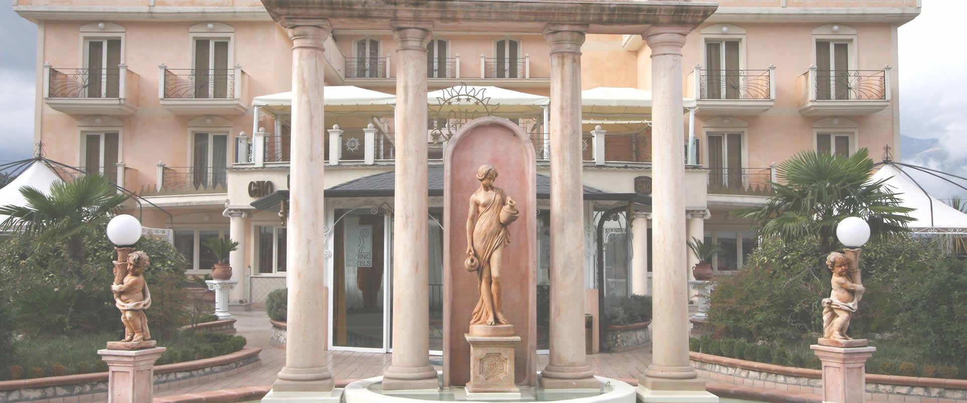 Ingresso esterno Grand Hotel OSman