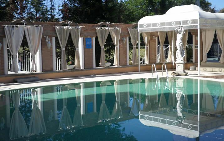 Gazebo piscina esterna per cerimonie