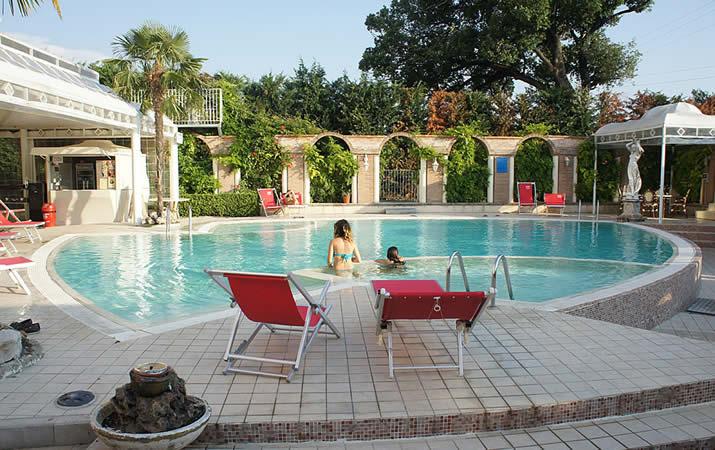 Piscina Grand Hotel Osman