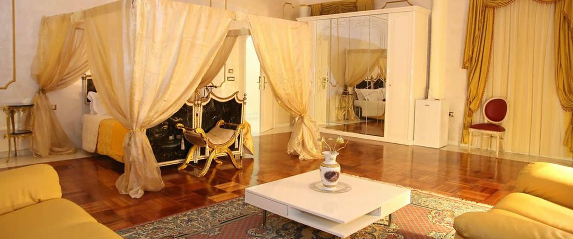Camera matrimoniale Suite Hotel