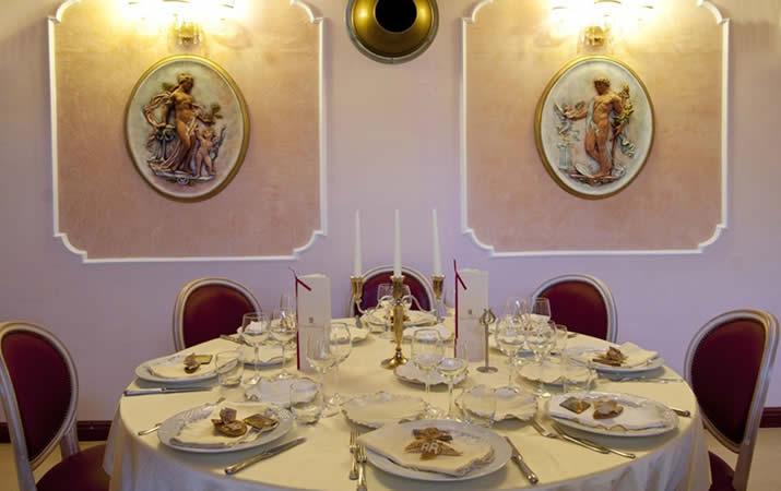 Tavolo tondo ristorante IL Danubio